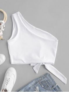 Crop Top Outfits, Sporty Outfits, Teen Fashion Outfits, Trendy Fashion, Cute Outfits, Cropped Tank Top, Crop Tank, Black Tank Tops, Birkenstock Outfit
