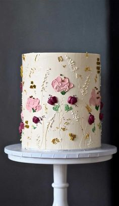 The Prettiest & Unique Wedding Cakes We've Ever Seen Need some inspiration for your cake design? Which style of cake should you choose? What should it taste like? The wedding cake style will. Pretty Wedding Cakes, Unique Wedding Cakes, Wedding Cake Designs, Pretty Cakes, Wedding Themes, Wedding Colors, Cool Cake Designs, Floral Wedding, Birthday Cake Designs