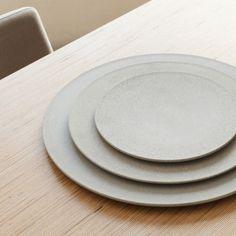 LaSelva-Concrete-10-TENUE-plates Origami Shapes, Home Id, Deco, Concrete, Plates, Ceramics, Tableware, Design, Milk