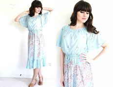 Hey, I found this really awesome Etsy listing at https://www.etsy.com/listing/228562586/70s-dress-1970s-dress-70s-floral-boho