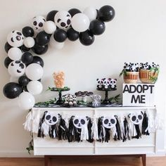 It's PANDA-monium over here today. I LOVED styling this Panda Party with All the cute details (including my balloon garland tutorial) are live today, link in my bio! Panda Themed Party, Panda Birthday Party, Bear Party, 2nd Birthday Parties, Panda Party Favors, Birthday Party Decorations, Party Themes, Party Ideas, Bolo Panda