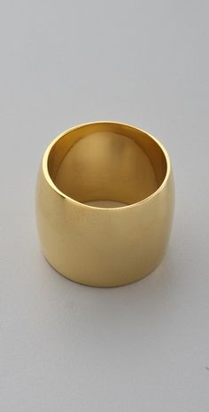 Tom Binns cigar band ring. I want it in 18k gold.  Must have!!!!!!!
