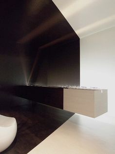 Entrance hall in Shibuya, Japan, by Tres-architects office, with a floating counter of 3m _