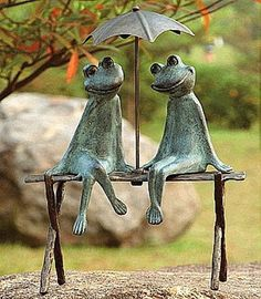 statues | ... Catalogs >>> Garden Statues >> Kissing Statues >> Frog Statues > 1861