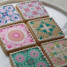 Intricate detailing on cookies