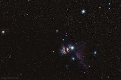 Flame & Horsehead Nebulas di Samuele Pinna. (Serramanna) – La nebulosa Fiamma (NGC2024) e la nebulosa Testa di Cavallo (B33) sono due oggetti del profondo cielo posizionate attorno la prima delle tre stelle componenti la cintura di Orione (Alnitak). La nebulosa Fiamma è una nebulosa di tipo diffuso mentre la nebulosa Testa di Cavallo è di tipo oscuro. Lo scatto include inoltre a sinistra la nebulosa M78 (NGC2068).  Data e Ora di acquisizione 24 Novembre 2016 alle 23:00. Al link i dettagli… Pinna, Horsehead Nebula, Cosmos, Celestial, Travel, Outdoor, Darkness, Fotografia, Astronomy