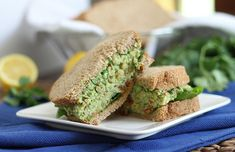 Pesto sandwich with chickpeas