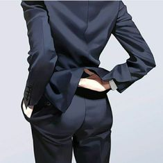 Ass boy discovered by Break Michaelis on We Heart It Body Reference, Art Reference Poses, Drawing Reference, Suit Drawing, Manga Drawing, Leorio Hxh, Daddy Aesthetic, Digital Art Tutorial, Body Poses