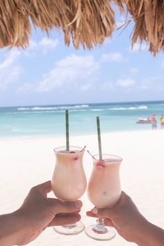 Romantic things to do in Aruba for your honeymoon in the Caribbean - # for Romantic things to do in Aruba for your honeymoon in the Caribbean - . İsabella Quinn buray_cf Flitterwochen Romantic things to do in Aruba Aruba Honeymoon, Caribbean Honeymoon, Honeymoon Tips, Honeymoon Pictures, Honeymoon Planning, Vacation Pictures, Aruba Caribbean, Aruba Aruba, Honeymoon Photo Ideas