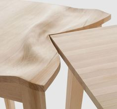 Details we like / Table / Oak / Soft Meets Hard / Contrast / Almost like a Earthplate making an Mountain / at Le Manoosh : Photo