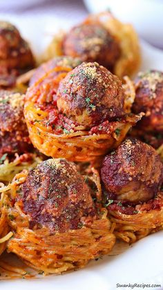 Muffin Tin Spaghetti Meatball Bites are the perfect fuss-free appetizer to make for Game Day. #spon