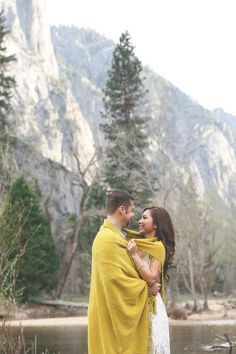 Yosemite National Park Engagement / Mr & Mrs Photography. See more on www.rusticfolkweddings.com/2015/04/10/yosemite-national-park-engagement/