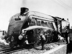 The Mallard Steam Train, World Record Holder for Steam Locomotives of 126 MPH in 1938 Transportation Photographic Print - 61 x 46 cm National Railway Museum, Steam Railway, Old Trains, Vintage Trains, Hobby Trains, Train Pictures, Model Train Layouts, Steam Locomotive, Diesel Locomotive