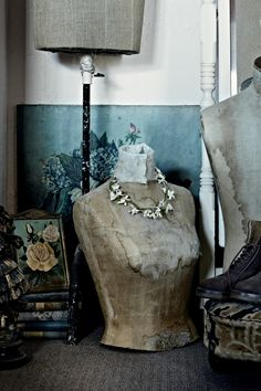 Found on Planete Deco, this beautifully rustic home is both comforting and nostalgic. The palette was taken from the sea and features wonderful collections of bird eggs, butterflies, and items no d…