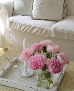 Pastels and White blog