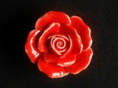 Knäufe Rose Rot Blume Knauf Möbelknopf Möbelknauf von LynnsGraceland auf DaWanda.com