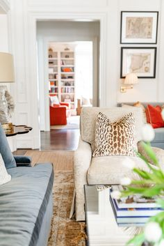 Home Decor Bedroom Transitional Living Room Style - J Cathell.Home Decor Bedroom Transitional Living Room Style - J Cathell Design Living Room, Family Room Design, Home Living Room, Living Room Furniture, Living Room Decor, Living Spaces, Living Room Interior, Colorful Living Rooms, Fashion Room