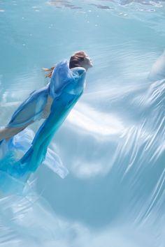 Unterwassershoot mit Vichy (http://www.vichy.de/) // Underwatershoot with Vichy (http://www.vichy.de/) // Foto: @christinas0173 // Model: Verena Pickert //Fashion: Manja Medilek