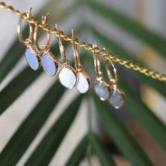 Biba goudkleurige oorringen met natuursteen hanger 81296 Pearl Earrings, Pearls, Jewelry, Jewellery Making, Bead Earrings, Beads, Jewelery, Jewlery, Jewels