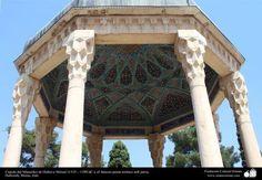 Cúpula del Mausoleo de Hafez-e Shirazí   #IslamOriente  http://ift.tt/1ZQyyCi
