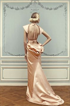 #Beautiful gown..I like this,,Sexy Victorian