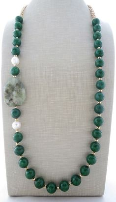 Green emerald jade necklace chunky necklace beaded by Sofiasbijoux