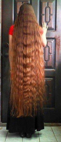 Very long hair. Beautiful Redhead, Beautiful Long Hair, Gorgeous Hair, Long Red Hair, Super Long Hair, Big Hair, Down Hairstyles, Trendy Hairstyles, Rapunzel Hair