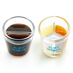 Built-in dividers make it easy to create layered drinks with unique flavor combinations that mix in your mouth. Bottoms up!
