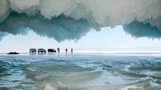 A beleza das cavernas geladas do lago mais profundo do mundo - Fotos - R7 Internacional
