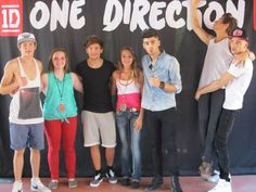 Meet greet la one direction pinterest met if i had a meet and greet pass i wouldnt even really tell them what to do in the pic because it always turns out so hilarious when the boys are just m4hsunfo