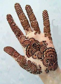 Mehndi is something that every girl want. Arabic mehndi design is another beautiful mehndi design. We will show Arabic Mehndi Designs. Henna Hand Designs, Mehndi Designs Finger, Palm Mehndi Design, Latest Arabic Mehndi Designs, Simple Arabic Mehndi Designs, Mehndi Designs Book, Mehndi Designs For Beginners, Bridal Henna Designs, Mehndi Designs For Fingers