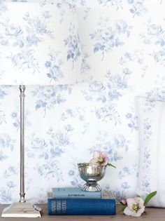 Meg Morton country style printed linen fabrics and wallpapers - From Britain with Love