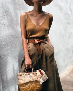 43 Ideas For Vintage Women Clothes Summer Outfits Women's Neutral Outfits, Casual Outfits, Cute Outfits, Skirt Outfits, Vest Outfits, Look Fashion, Trendy Fashion, Fashion Outfits, Womens Fashion