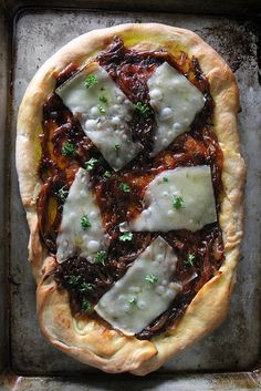 French Onion Pizza by Heather Christo Pizza Recipes, Vegetarian Recipes, Cooking Recipes, Best Italian Recipes, Favorite Recipes, Creative Pizza, Savory Tart, Allergy Free Recipes, Pasta