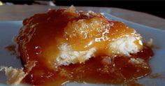 Pas eu le temps d'aller à la cabane à sucre? Ne vous en faites pas, car ce pouding chômeur est encore meilleur que celui de la cabane! Pudding Chomeur Recipe, Keto Pudding, Pudding Cake, Cookbook Recipes, Cooking Recipes, Pecan Pie Cake, Maple Syrup Recipes, Desserts With Biscuits, Bon Dessert