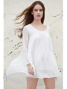 Vestido largo de manga con gradas delantal