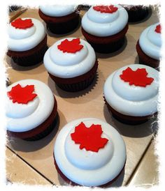 Canada Day! Canada Day 150, Canada Day Party, Happy Canada Day, Baking Cupcakes, Cupcake Cakes, Cupcake Recipes, Holiday Pies, Holiday Foods, Canada Day Crafts