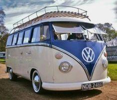 Kombi Volkswagen Minibus, Volkswagen Bus, Vw T1, Classic Campers, Vw Classic, Camper Van Life, Vw Camper, Combi T1, Combi Split