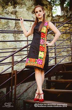 Aranza L - Arellano's - Folklor a la Moda Tela: Algodon gabardina strech Tipo de bordado: A mano con aguja y cadenilla de máquina artesanal Región en la que se elabora: Istmo de Tehuantepec Diseño: Vestido corto recto sin mangas