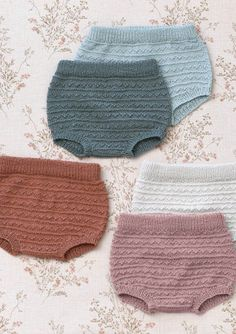 Cutest little knit diaper covers EVER Baby Knitting Patterns, Knitting For Kids, Knitting Baby Girl, Knitted Baby Clothes, Knitted Romper, Baby Outfits, Kids Outfits, Baby Girl Fashion, Kids Fashion
