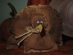 Easy to make: Bernard, the Rustic Raggedy Primitive Turkey Craft!