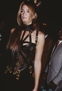 18 Retro Photos That Prove Cindy Crawford Is the Ultimate Runway Model via @WhoWhatWear