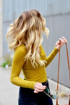 The Best Color For Blondes | Mustard yellow top outfit fall | Boho chic outfit fall | Oversized cardigan outfit fall | Boho dress outfit fall | Boho fashions fall | NYC street style fall | mustard yellow outfit | fall street styles| NYC lifestyle blog | E