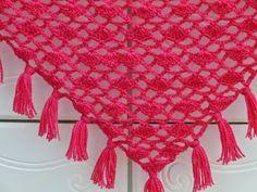 Crochet Dreamz: Tyra Triangle Shawl, Free Crochet Pattern, Lacy Scarf Pattern, Triangle Shawl Pattern