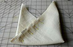 Você pode fazer uma sacola ecobag estilo origami para diferenciar os seus looks e chamar muito a atenção, mas de forma positiva, por onde ...