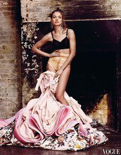 Natalia Vodianova by Mario Testino for Vogue UK May 2009