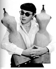 Edith Head, nascida como Edith Claire Posener (Searchlight, Nevada, 28 de outubro de 1898 - Los Angeles, 24 de outubro de 1981) foi uma estilista estadunidense, ganhadora de 8 Oscars de melhor figurino e com 35 indicações.