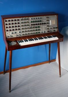 International Music Synthesizers ETI 4600 ~ by Australian Trevor Marshall ~ analog patch matrix synthesizer: 4 multi waveform