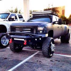Nice truck Dually Trucks, Lifted Chevy Trucks, Gm Trucks, Chevrolet Trucks, Diesel Trucks, Cool Trucks, Pickup Trucks, Lifted Duramax, F350 Dually