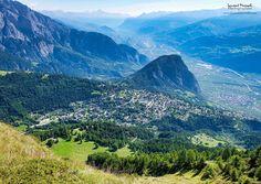 Ovronnaz, vue depuis La Seya Places In Switzerland, Beautiful Places, Mountains, Nature, Travel, Swiss Alps, Athlete, Viajes, Naturaleza